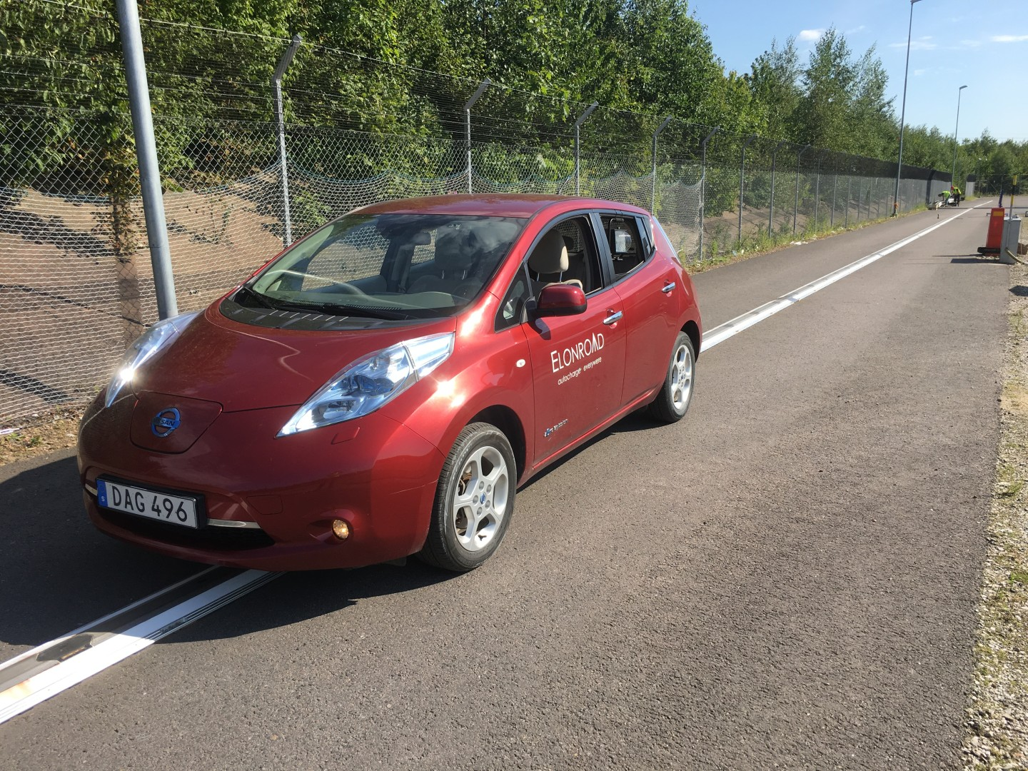 Elonroad with electric car